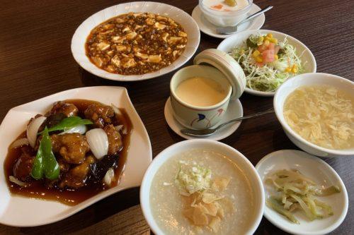 ご飯もお粥もお変わり自由!中華料理で腹いっぱいになりたいなら「春香亭」のランチがいい感じ!