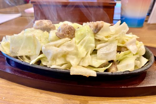 メインメニューは鉄板焼肉一品のみ!「辛味噌鉄板 てっぱん亭」はご飯が止まらない美味しさ!