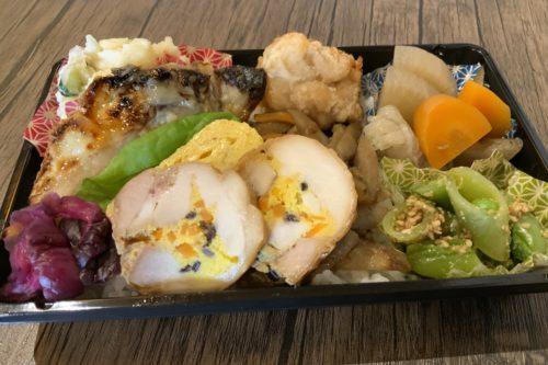 ご飯見えてないって!500円の弁当でコレはやばい!健軍「野菜を肴に。」のお弁当のクオリティが高すぎる
